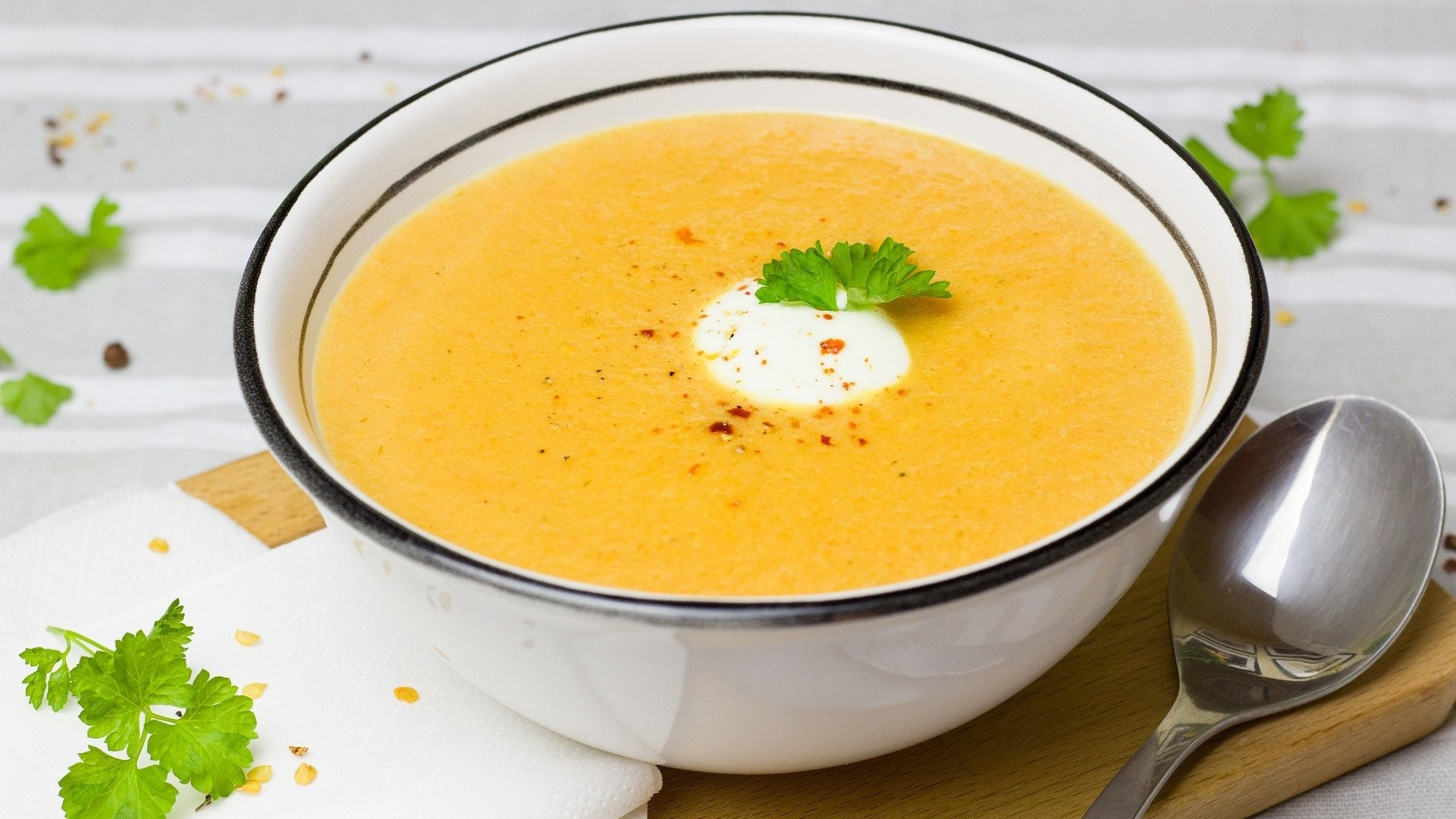 soup-2006317_1920 Cropped